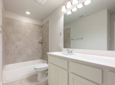 3205 Woodland - 2nd Bath